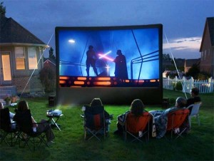 backyard-movie-night