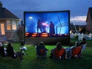 backyard-movie-night