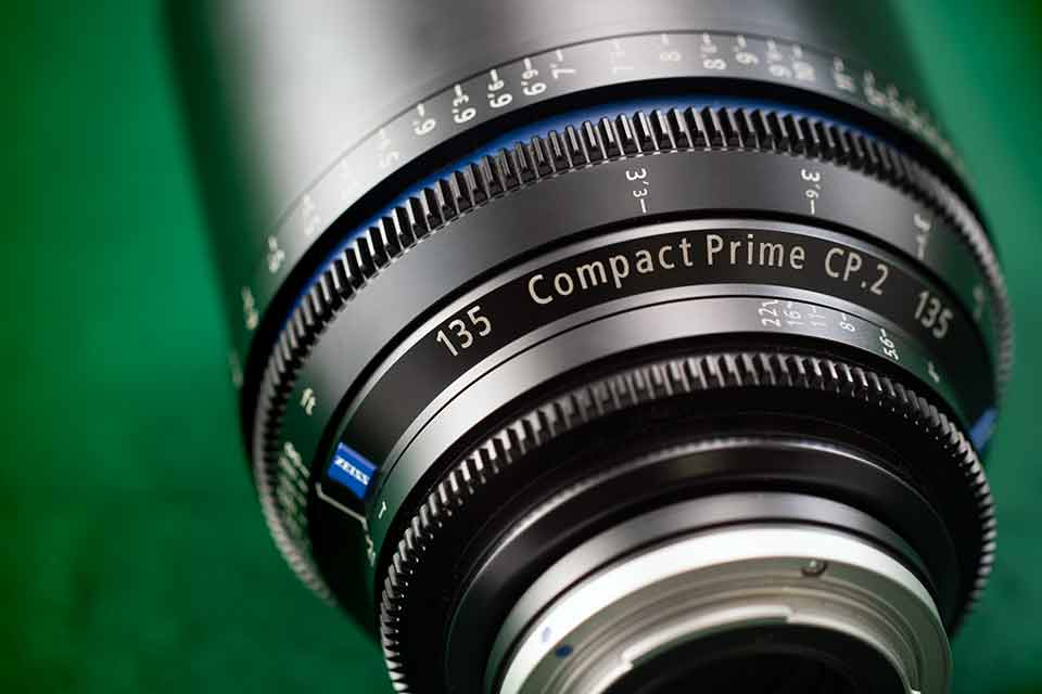 135mm compact prime
